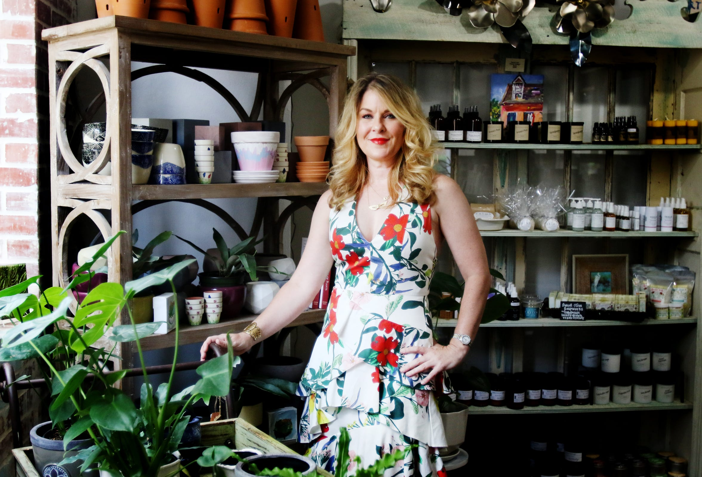 Cassie Stone is the owner of 318Art&Garden an artisanal gifts and art gallery focusing on Louisiana art.