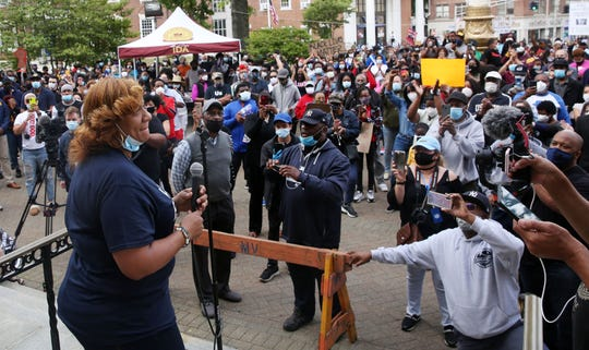 Mt. Vernon Mayor Shawyn Patterson-Howard speaks to hundreds of people gathered in front of city hall during a peaceful We Can't Breath Unity Rally June 2, 2020.