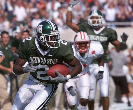 Herb Haygood catches Michigan State's only touchdown pass of the game against Wisconsin on Oct. 14, 2000.