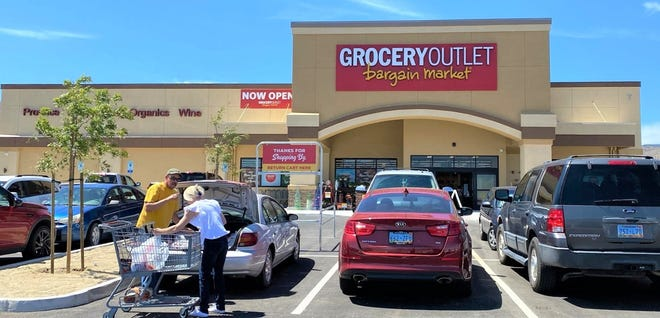 The Dayton Grocery Outlet opened Thursday.