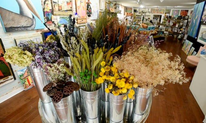 318Art&Garden is an artisanal gifts and art gallery focusing on Louisianan art.