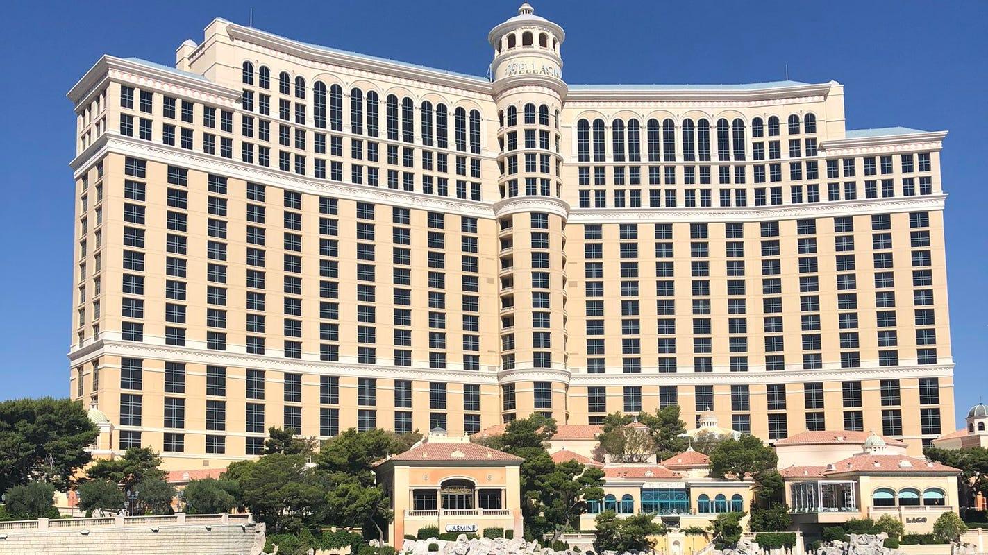 So long, free Vegas hotel parking? MGM Resorts to resume parking fees in June