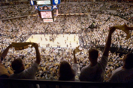 Inside Conseco Fieldhouse for Game 3 of the 2000 NBA finals.