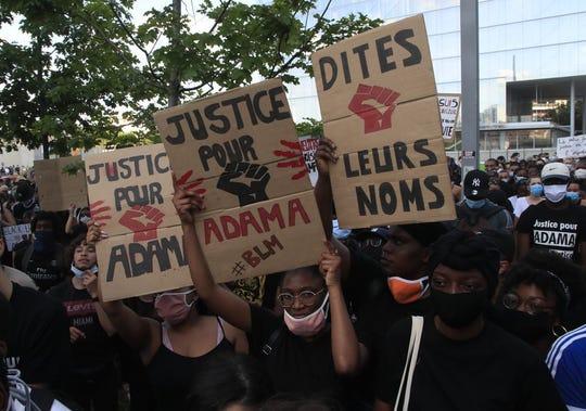 Escena de una manifestación de protesta por la muerte de George Floyd del 2 de junio del 2020 en París.