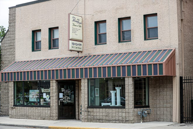 Personal Touch Flowers and Gifts at 16 East Second St. is closing after 20 years in business in Fond du Lac.