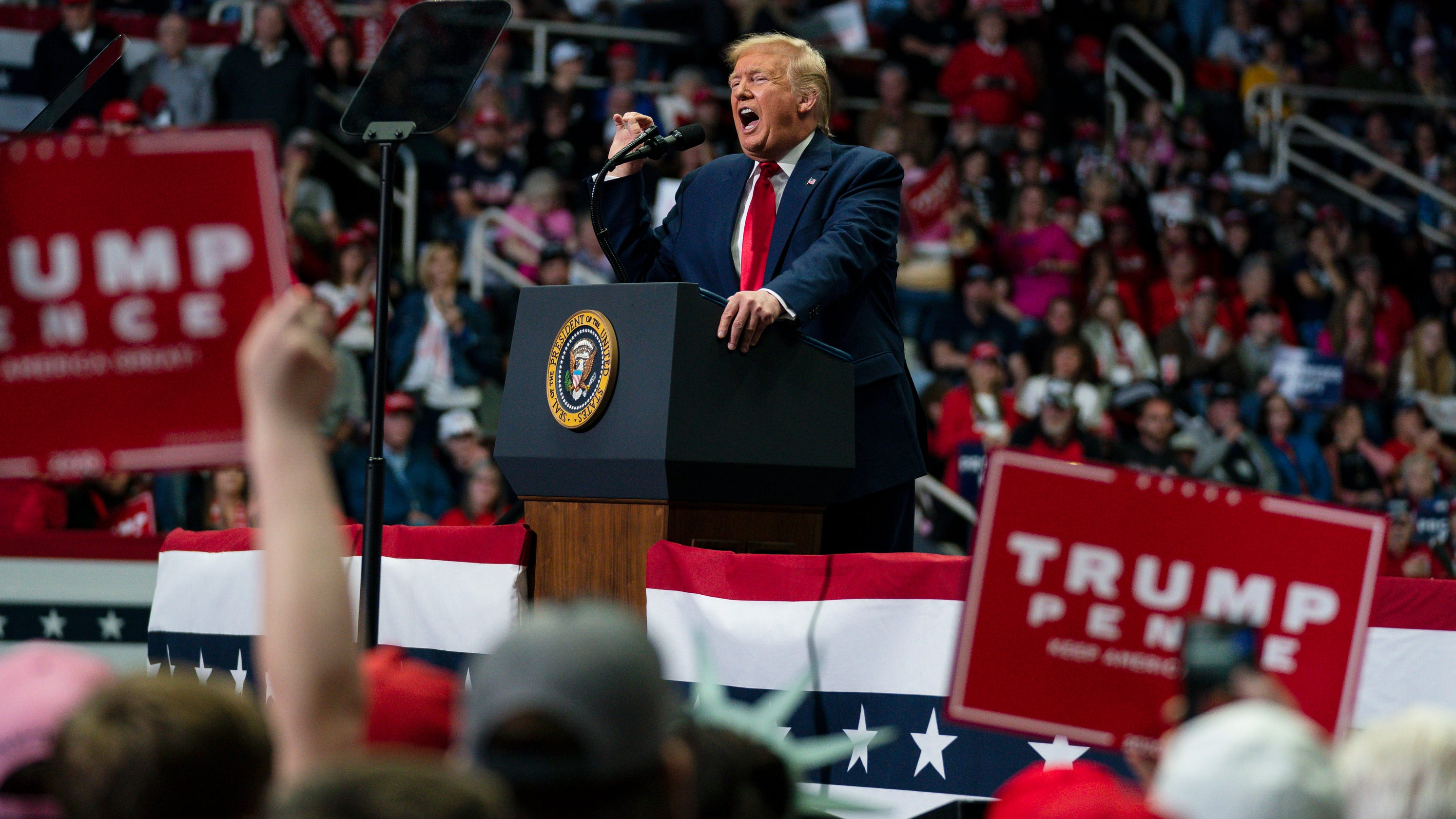 'Turning point' or massive risk? Trump gambles with a rally in Tulsa that could shape his campaign thumbnail
