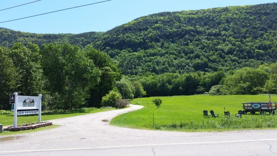 The entrance to the Green Mountain Family Campground.
