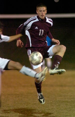Henderson County's Cole Childress battles with Greenwood's Riley Williams in the sub-sectional round of the 2008 state tournament in Bowling Green .