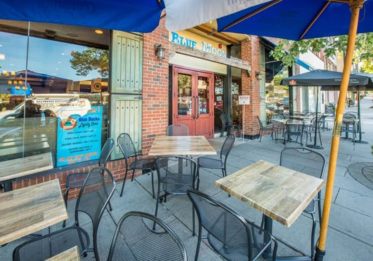 Blue Moon in Englewood has outdoor seating