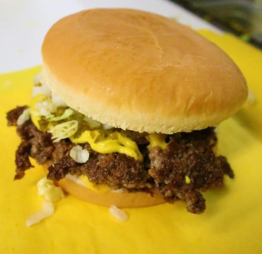 Green chile cheeseburger from Day's Hamburgers, 95 N. Main St.