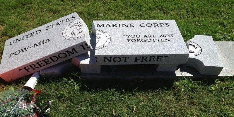 Viral Photo Of Broken Pensacola War Memorial Debunked