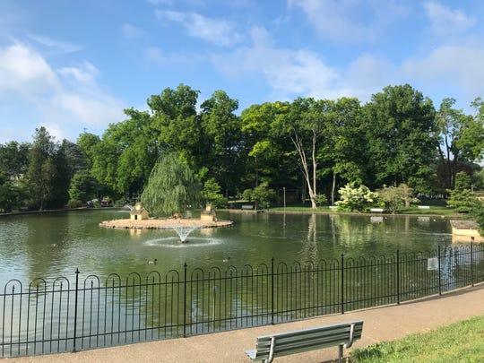 Gypsy Hill Park — social distancing check