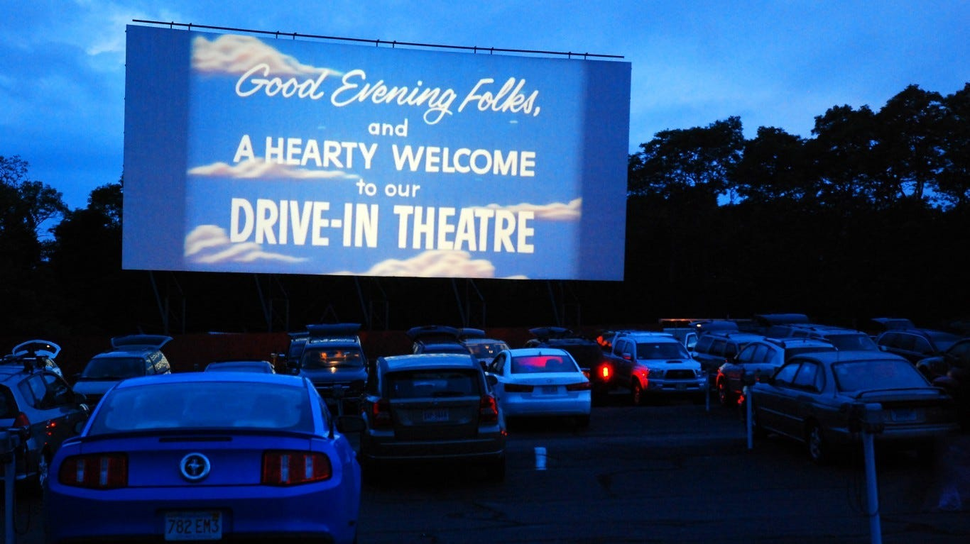 Drive In Movie Theaters Coronavirus Comeback Stay Safe And Have Fun