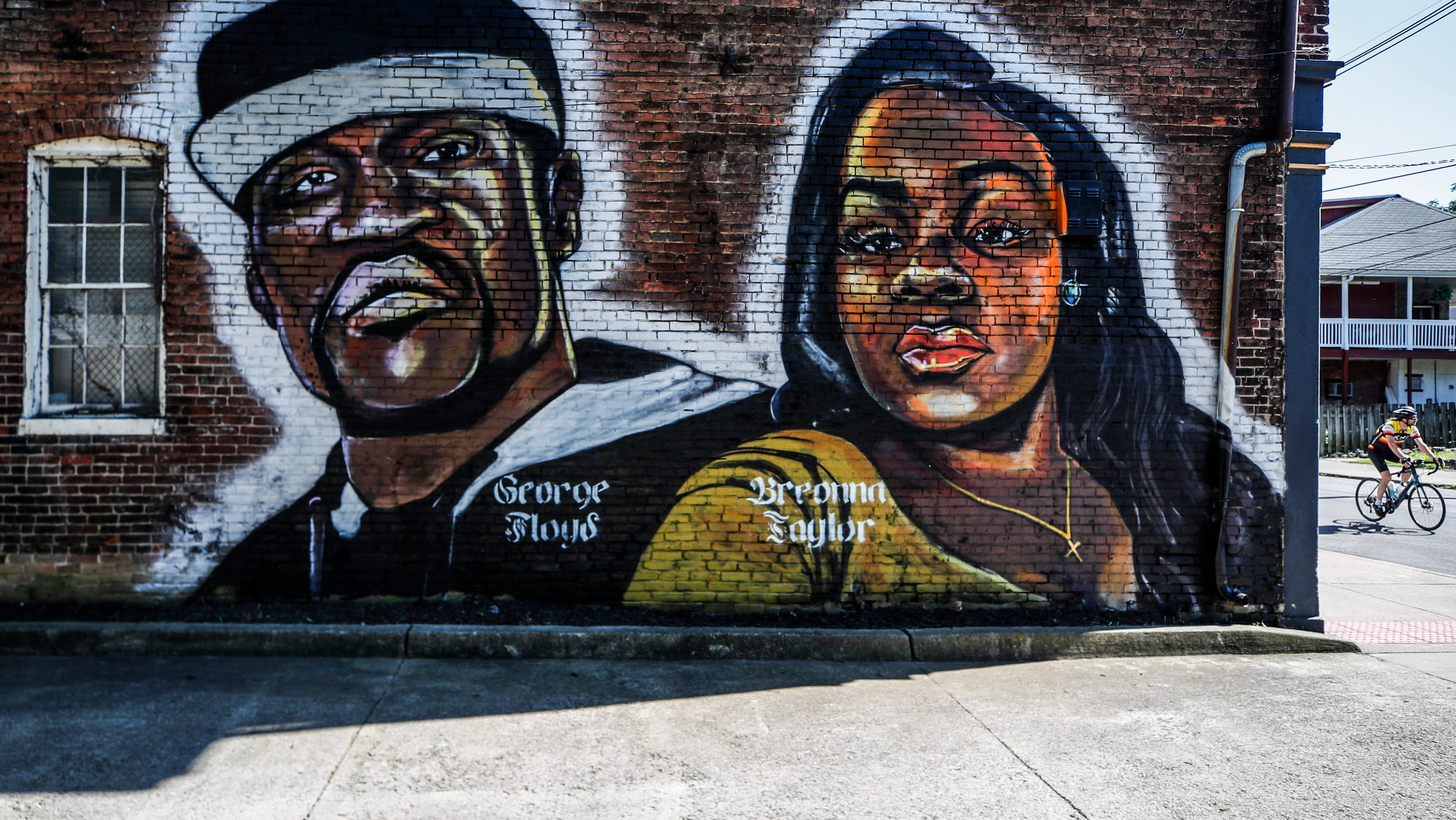 Louisville S New Murals Pay Tribute To Black Lives Matter