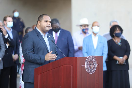 Dallas Mayor Eric Johnson proclaims June 5 George Floyd Remembrance Day.