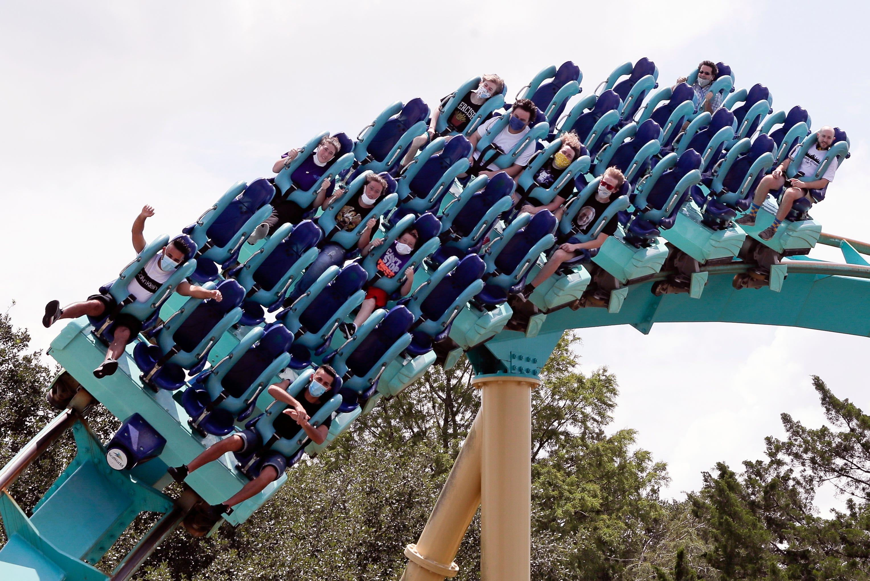 Seaworld Orlando Busch Gardens Tampa Bay Reopen After Covid 19