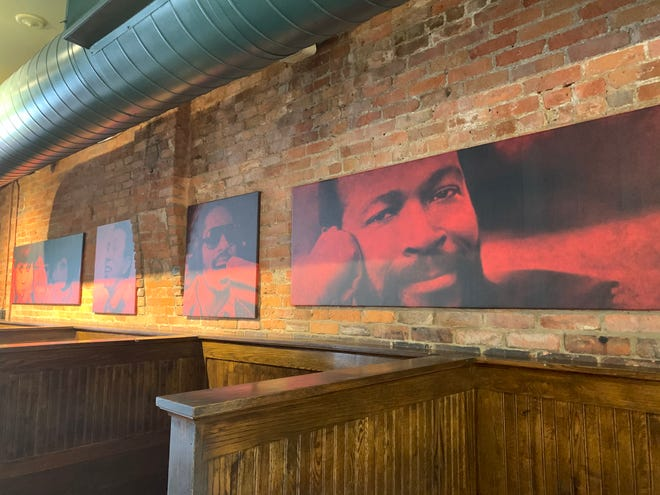 Motown legends on the walls at PizzaPapalis.