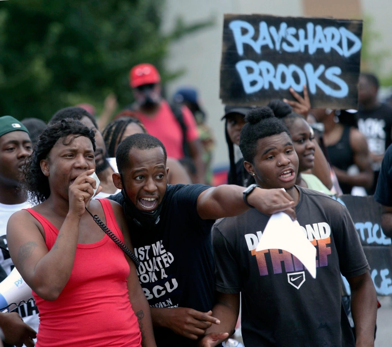 After Rayshard Brooks police death, Atlanta police chief steps down, police clash with protesters