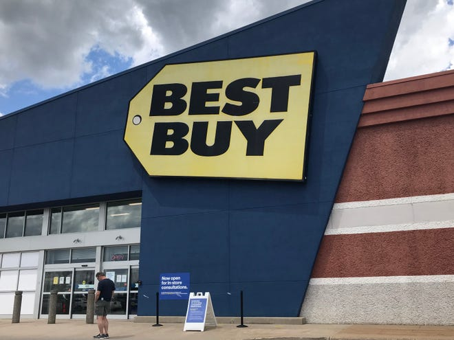 Best Buy reopens 800 stores today.
