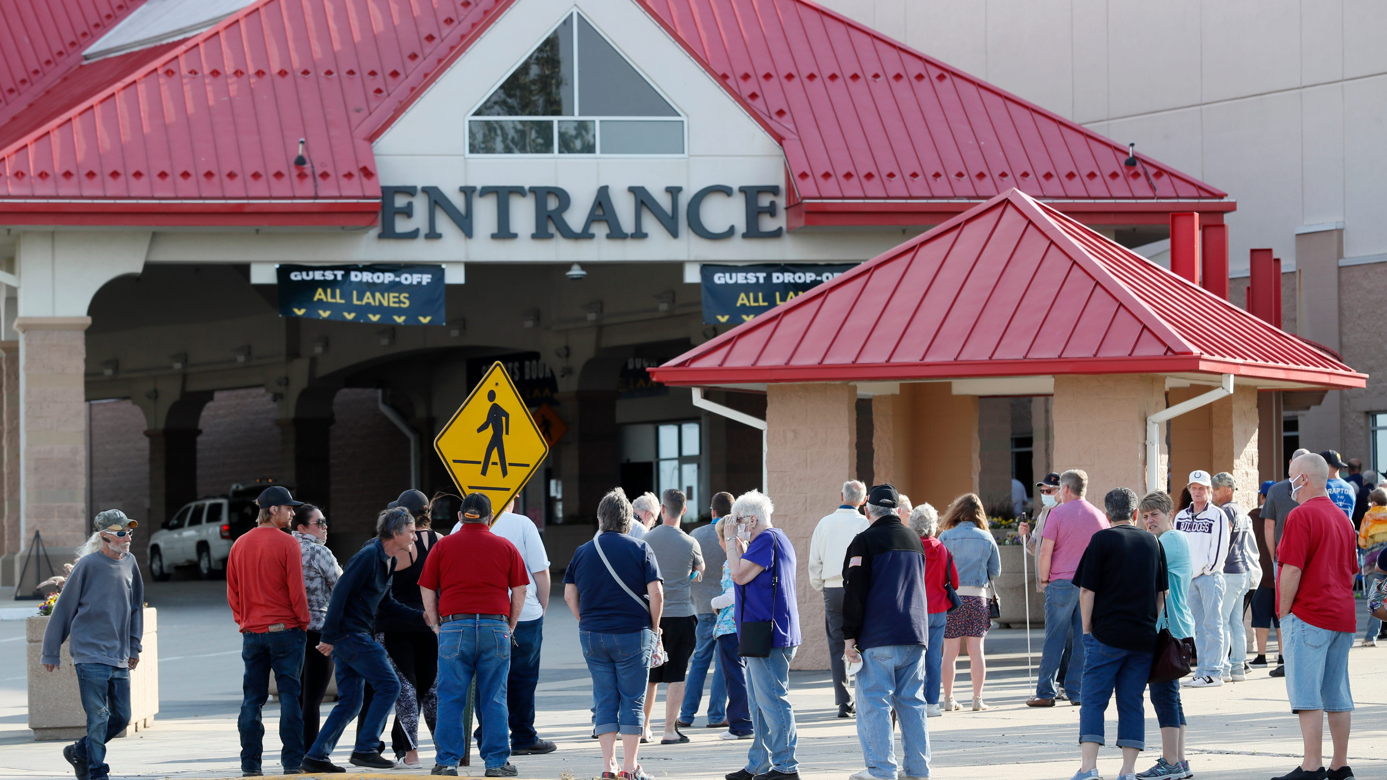 Bonuses approved for more than 500 Prairie Meadows employees despite  pandemic losses