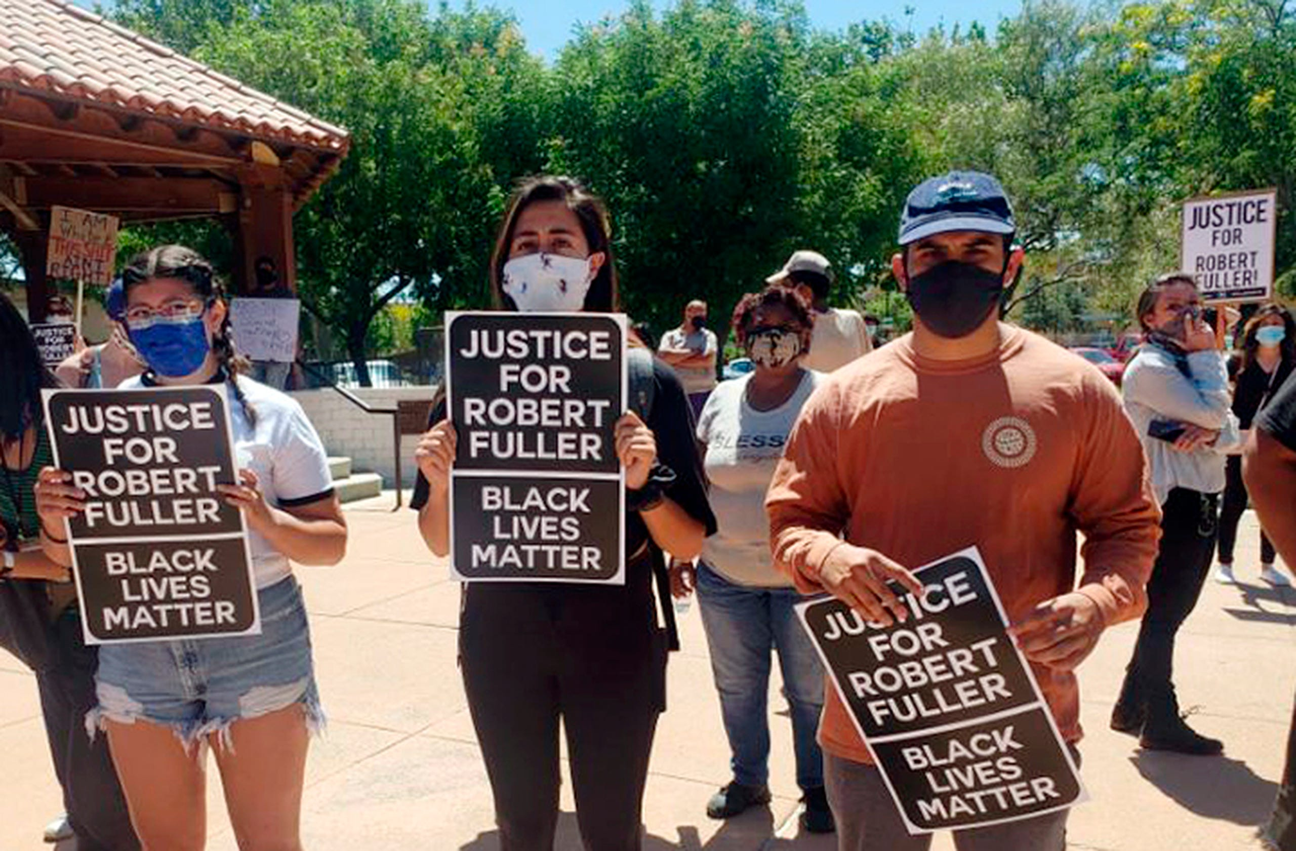 Photos: Community protests after Robert Fuller is found hanging ...