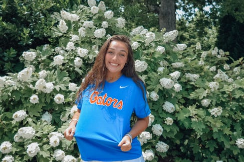 Emerson Hoyle, a rising TC Roberson junior and Xcel Volleyball Performance player, has committed to play volleyball at the University of Florida.