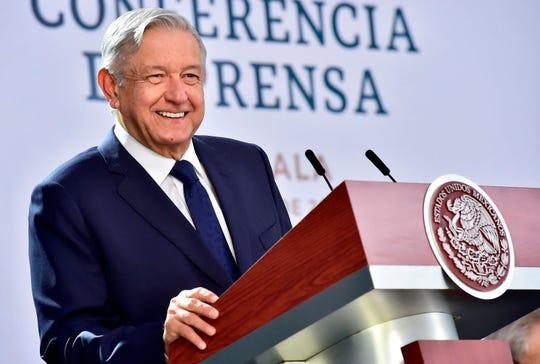 Fotografía cedida este martes por la presidencia de México, del presidente mexicano, Andrés Manuel López Obrador, durante una rueda de prensa en el municipio de Panotla, en el estado de Tlaxcala.