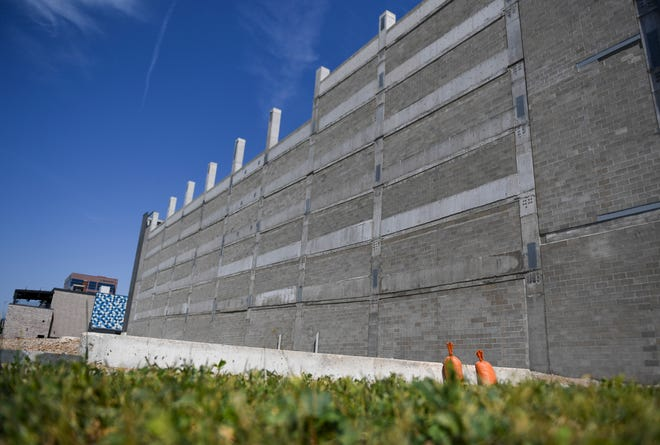 A downtown parking structure is seen under construction on Tuesday, June 16, 2020 near 10th Street and Phillips Avenue in Sioux Falls, S.D.
