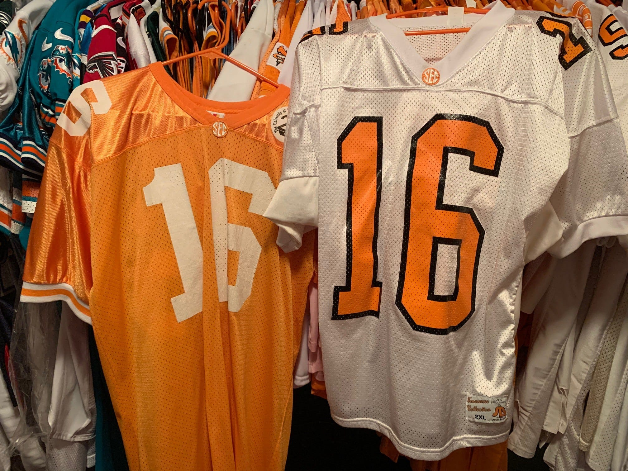 Peyton Manning No. 16: A 25-year hobby grew from Tennessee football