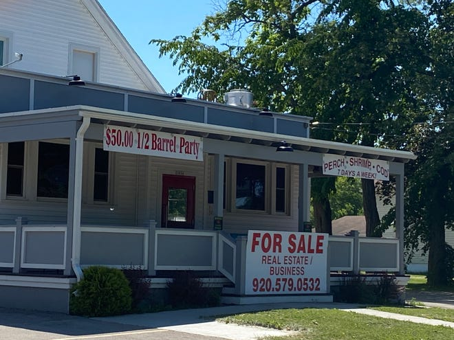 Beachcombers, 2836 Fond du Lac, is closed and for sale by the owner Matt Vienola.