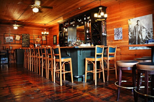 Roberts Crossing, a Salem destination for date night dining and holiday celebrations for a decade, has officially closed.It's the first area restaurant permanently closed due to the impact of the coronavirus.