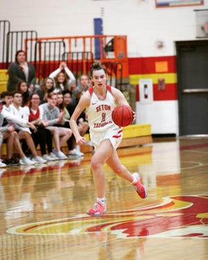 Seton Catholic girls basketball forward Isabella DiGiovanni dribbles up the court in a game during the 2019-20 season.