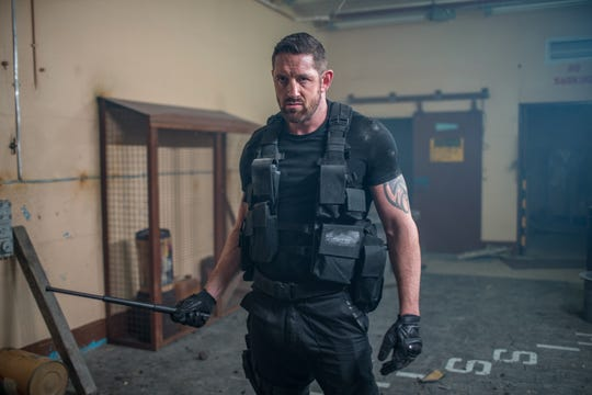 """Former special-forces soldier John Gold (Stu Bennett) prepares to dispatch some bad guys in the action sequel """"I Am Vengeance: Retaliation."""""""