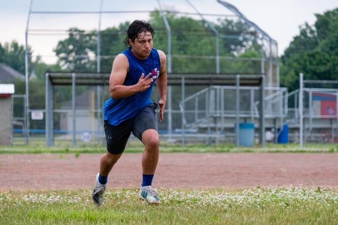 St. Clair junior Luke Ellis runs drills during practice Monday, June 22, 2020, at St. Clair High School.