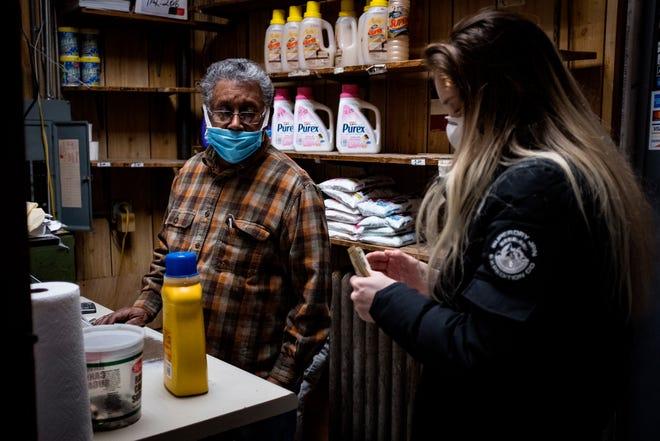 Un reciente estudio de la Oficina Nacional de Investigación Económica encontró que el 41% de las empresas que pertenecen a afroamericanos y el 32% de empresas que pertenecen a latinos se han visto obligadas a cerrar sus negocios en los últimos meses tras la pandemia del nuevo coronavirus.