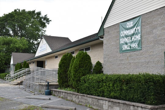 Kingston Estates Swim Club, a Cherry Hill institution since 1956, is facing foreclosure.