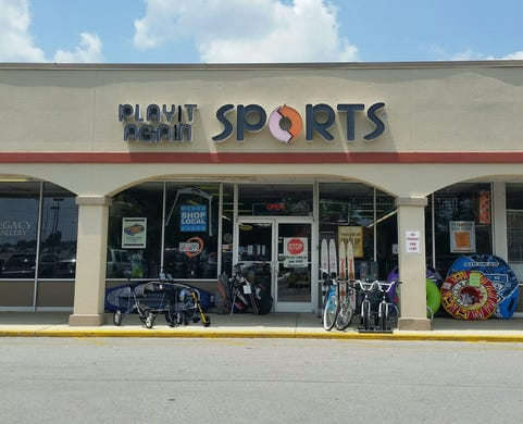 Play It Again Sportsis offering curbside pickup.