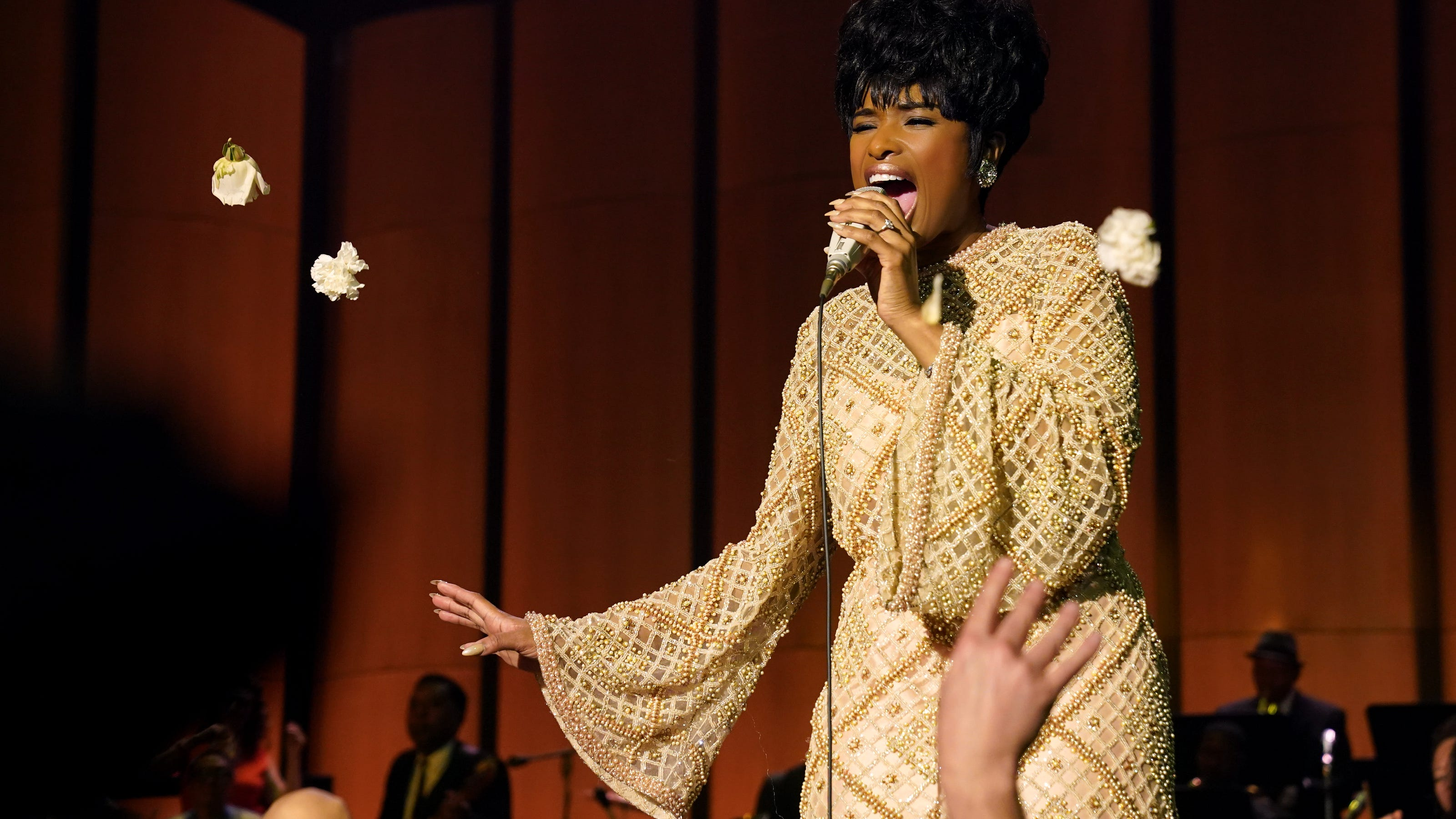 Jennifer Hudson heads to Detroit to watch 'Respect' with Aretha Franklin's family