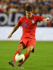 United States midfielder Christian Pulisic attempts a free kick against Jamaica on July 3, 2019. Pulisic continued to excel at the professional level Thursday, scoring a goal for Chelsea in a 2-1 English Premier League win vs. Manchester City.