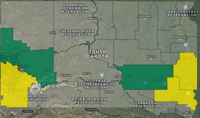 More than 400customers in rural southeastern South Dakota are experiencing a power outage Thursday night as thunderstorms roll through the region.