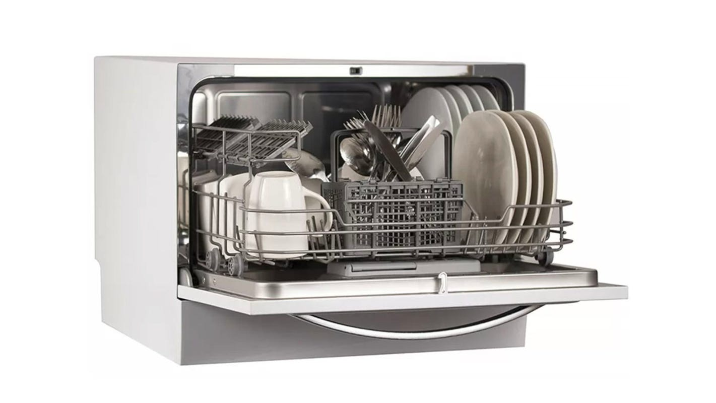Countertop dishwasher: Get this Black + Decker model on sale now