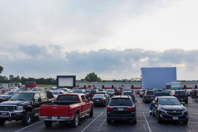 Garth Brooks, A Drive-In concert experience was presented at Caesars Creek Flea Market on Saturday, June 27, 2020.  An estimated 400 cars of Garth Brooks fans showed up for the 1st Drive in Concert at Caesars Creek Flee Market.