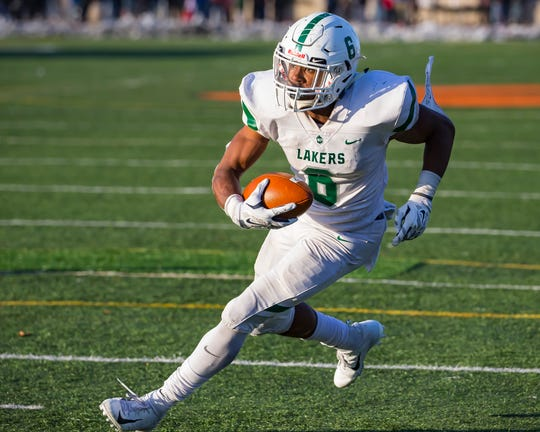 West Bloomfield running back Donovan Edwards (6) is ranked No. 3 in The Detroit News' top 50 2021 football recruits in Michigan.