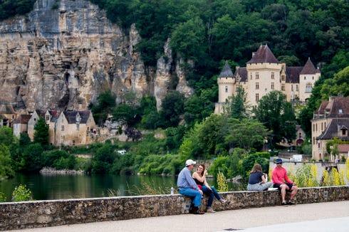 La Roque Gageac is built into the cliffs along the Dordogne River.