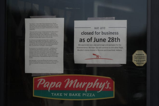 Notices on the door indicate the Papa Murphy's Pizza at 3380 E. Main St. has closed after more than seven years selling take-and-bake pizzas.