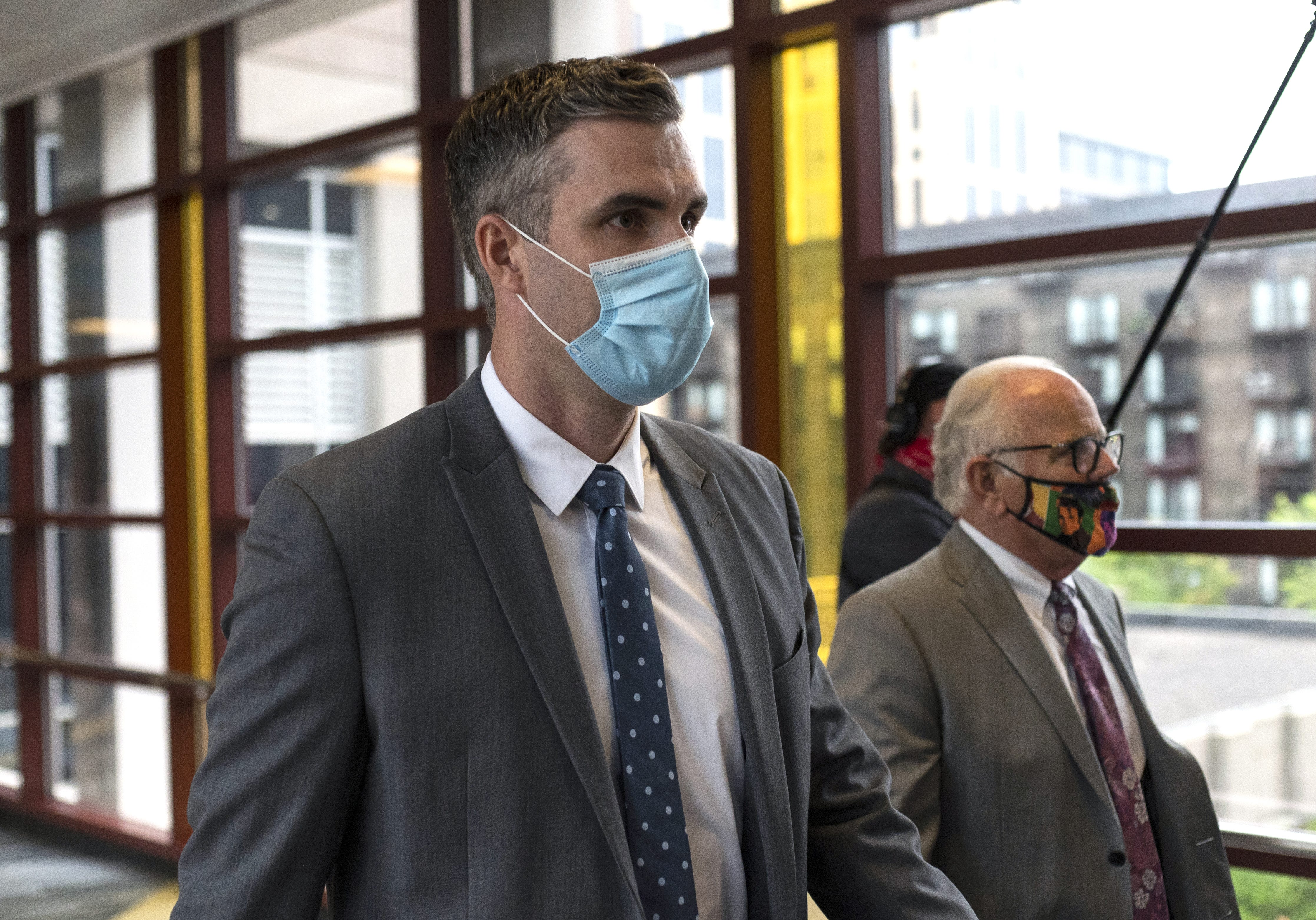 Thomas Lane, former Minneapolis police officer who held George Floyd s legs, seeks dismissal of charges