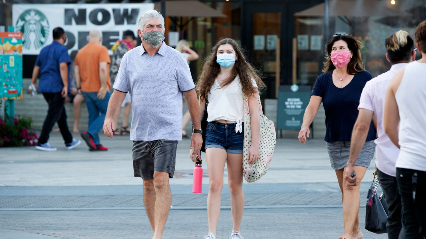 West Hollywood sheriff's deputies to ticket people without masks