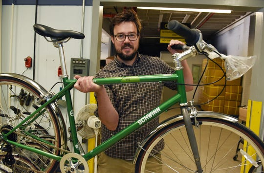 Bicycle maker Detroit Bikes, LLC is endeavoring to make 500 copies of Schwinn's classic Collegiate cruiser, right here in Detroit, Paul W. Smith writes.