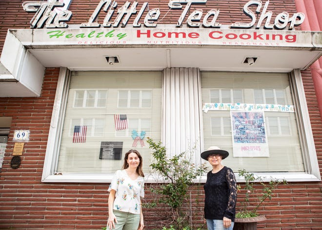 Suhair Lauck and Molly Wexler pose outside of the famous Memphis restaurant, The Little Tea Shop in Memphis, Tenn., on Tuesday, July 1, 2020.