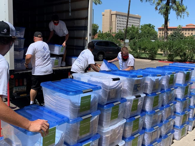The Smart and Safe Arizona ballot measure that aims to legalize adult, recreational marijuana use in Arizona delivered 420,000 signatures to the Secretary of State on Wednesday.